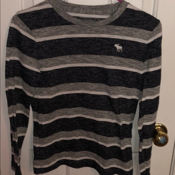 abercrombie kids Other - Abercrombie kids grey striped long sleeve shirt